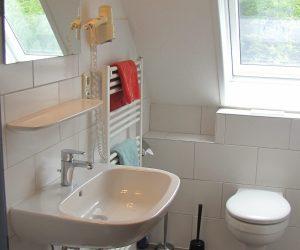 Badezimmer in der Ferienwohnung Wattwurm in Carolinensiel